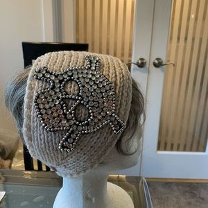 🦜 Headband NWT Large Skull Detail